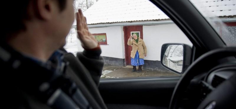 Több pénzt rendelt a falugondnokoknak a kormány