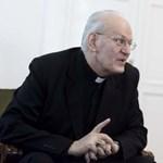 Erdő Pétert köszöntötte Ferenc pápa