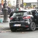 Egy fekete Cliót vizsgál a rendőrség Párizsban
