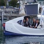 Csináltak egy futurisztikus taxit, amit simán összekevernénk egy vízbe esett autóval