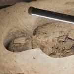 Felnyitottak négy 2600 éves szarkofágot, aztán bevetették az orvosi CT-t