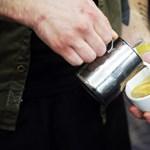 240 milliós fájdalomdíjat követel a repülőgépen kávéval leforrázott nő