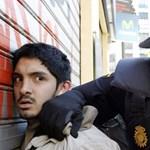 Nagyítás: rohamrendőrök támadtak tüntető egyetemistákra Valenciában