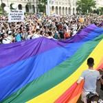 Nem adták bérbe a hollókői népviseletet, mert egy transznemű kérte