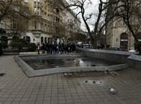 A Kossuth téri tüntetésekkel magyarázzák a Nagy Imre-szobor hirtelen elbontását
