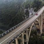 A montenegróiak most megmutatják, hogy is kell egy rendes G-napot csinálni