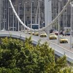 Megfürdetik a hétvégén az Erzsébet hidat, és ez okozhat némi bosszúságot