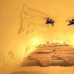 Forró éjszaka a hófalu jeges hálószobájában - videó