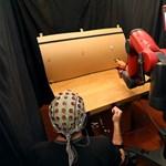 Beszélni sem kell hozzá, gondolatokkal is irányítható az MIT új robotja – videó