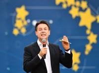Megmenekült az olasz kormány
