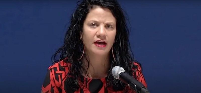 Egy fehér amerikai professzor azt hazudta, hogy fekete