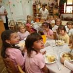 Nyomkövetőt szerel a gyerekekre több svéd óvoda