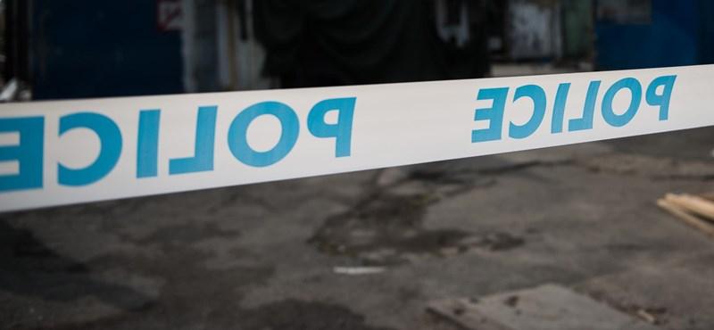 39 holttestet találtak egy kamionban Angliában