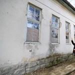 Továbbra is életveszélyes a tarnazsadányi iskola, nincs forrás a felújításra