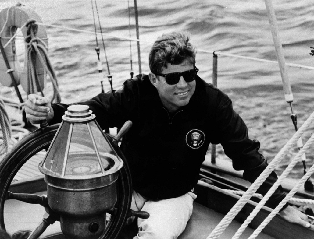 1960 körül: Kennedy egy hajón - John F. Kennedy, John Fitzgerald Kennedy