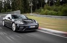 Még be sem mutatták, de már rekordidőt futott az új Porsche Panamera