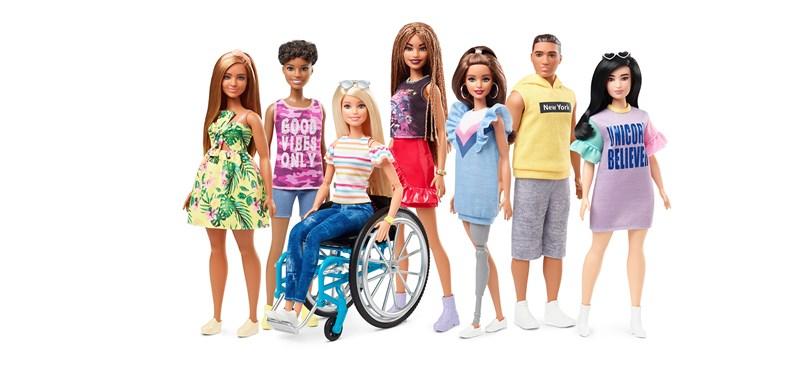 Jönnek a kerekesszékes és a lábprotézises Barbie-babák