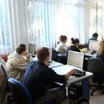 Ingyenes tanfolyamok: újabb 997 képzés közül lehet választani