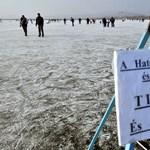 Agárdnál lehet korcsolyázni a Velencei-tónál, a Balatonnál veszély van