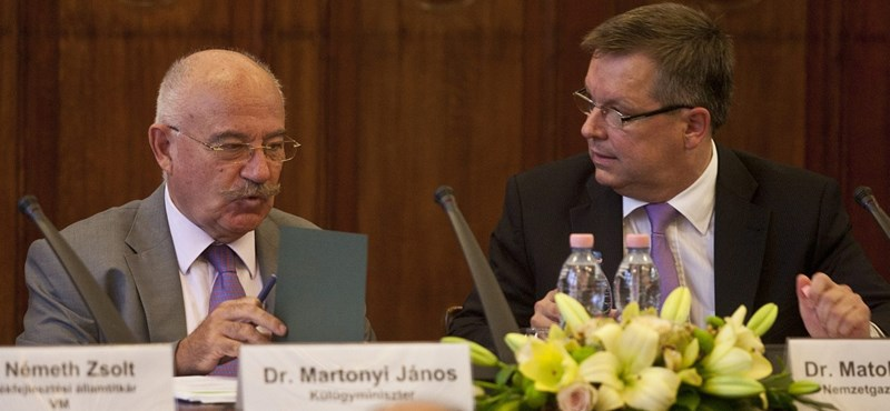 Martonyi elhatárolta magát Matolcsy IMF-ellenes kijelentéseitől