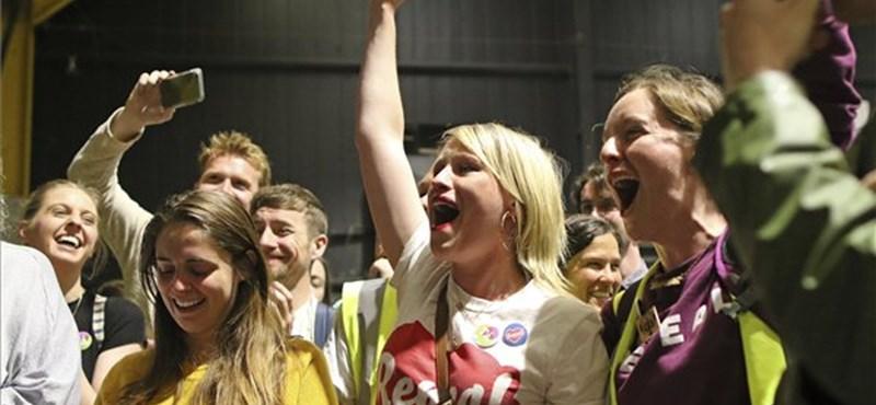 Vesztettek az abortuszellenesek Írországban