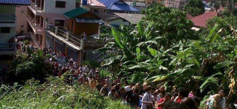 Fotó: a cunami elől menekülnek Phuketen