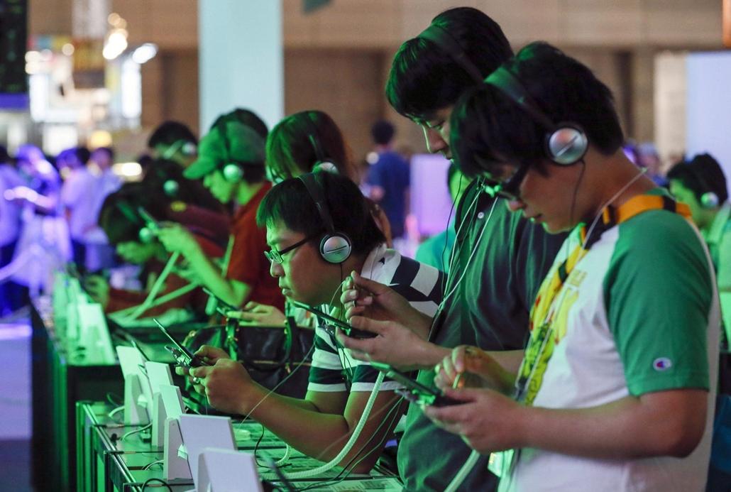 fiatalok, technika, technológia, hét képei, nagyítás