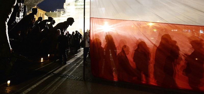 A demokrácia drámája zajlik Varsóban, most jön a következő felvonás
