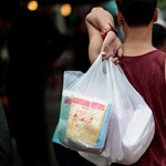 Tanzániában is betiltották a műanyag szatyrokat