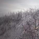 Videó: Drónnal filmezték le a jéggé fagyott Nagykovácsit