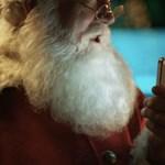 Mikulás az iPhone 4S segítségével viszi helyükre az ajándékokat (videó)