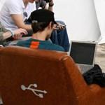 Itt az USB kanapé! Egy digitális ülőalkalmatosság