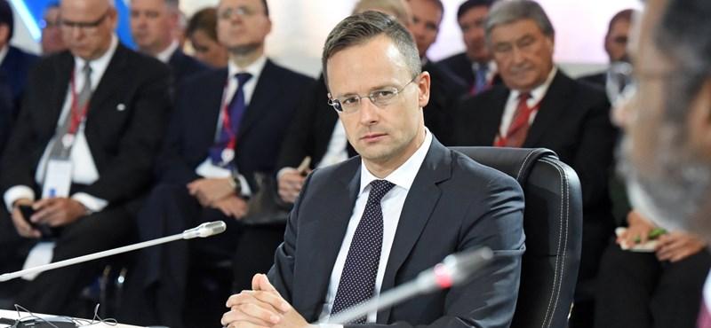 Szijjártó kioktatta az ukrán kormányt