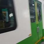 A felújított metrók után a felújított HÉV is lerobbant – videó