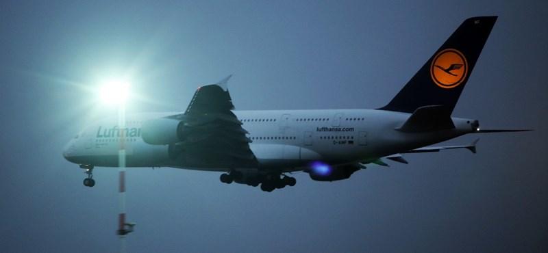 Átfestik a Lufthansa összes repülőgépét, változik a 100 éves logó is