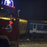 Kisiklott vonat: napokig tarthat még a helyreállítás