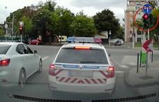 Vizsgálat indul a piroson áthajtó rendőr ellen