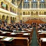 Megtárgyalják az ellenzék javaslatát a klímavészhelyzet kihirdetéséről