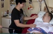 900 ezer forint az a speciális kerekesszék, amivel segíteni lehetne egy súlyos sérült fiún