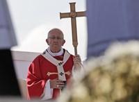 Szenteket avatnak ma a Rómában