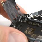 Videó: ezt találták az új Apple-okosórában, miután szétszedték