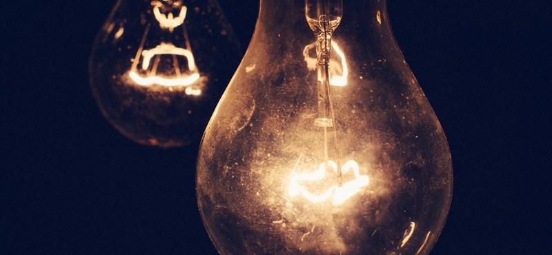 Meglepő dolog történt az ELTE-n: zseniális fotó született az áramszünet közben