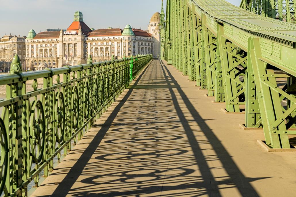 map.20.03.28.  Первый день комендантского часа пустого города в пустом Будапеште