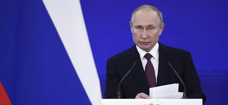 Itt az új Putyin-naptár – vége a meztelen felsőtesteknek