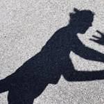 Újabb videó került elő, ahol diákok bántalmazzák tanárukat