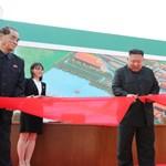 Megjöttek a képek: Kim Dzsongun tényleg jól van