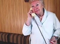 Magdi anyussal készített az unokázós csalókról figyelemfelhívó videót a rendőrség