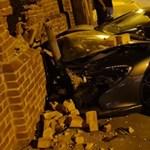 A rendőrség is finoman odaszúrt a sofőrnek, aki összetörte a McLarenjét