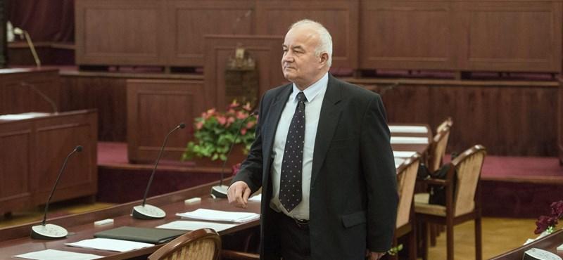 Lemondott a XV. kerület polgármestere