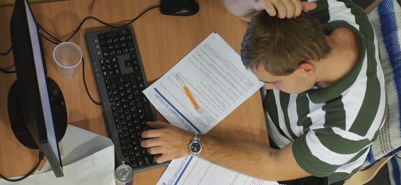 Így lehet diplomát szerezni ingyen, otthonról: az online oktatásé a jövő?